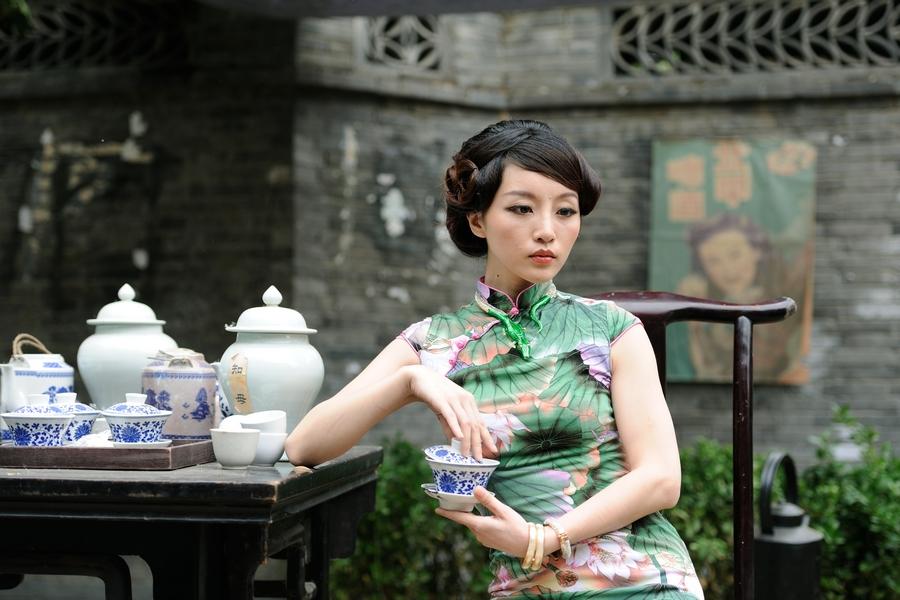 【唯美写真】美女席英优雅品茶