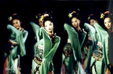 创作出一大批具有中国古典舞蹈风格的舞蹈和舞剧作品图片