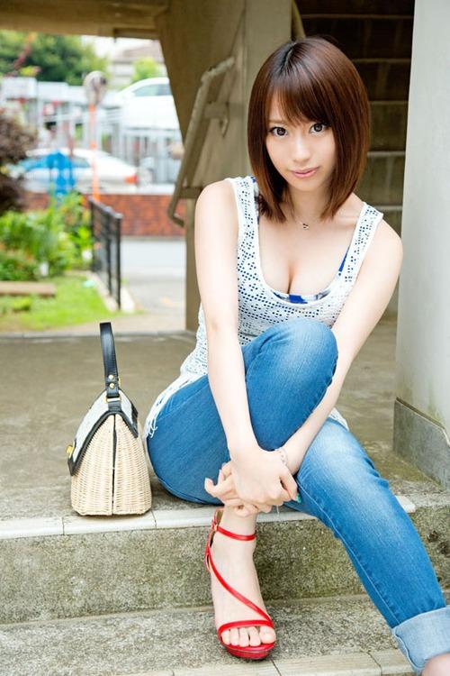 川菜美铃(かわなみすず),1993年6月10日出生于东京都,日本av女优.=>鼠标右键点击图片另存为