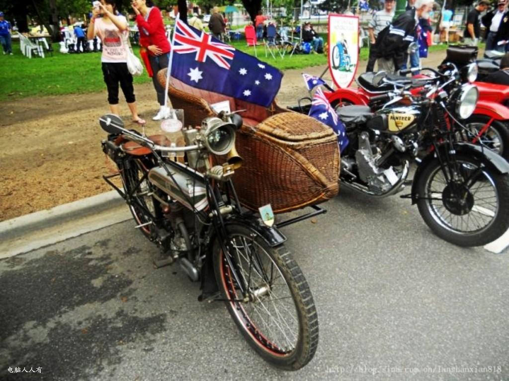 年德国戴姆勒发明制造出世界上第一辆以汽油发动机为动力的摩托车以来