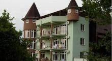 潘尼索菲亚旅馆