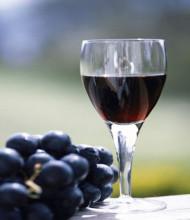 红葡萄酒有助预防食物过敏