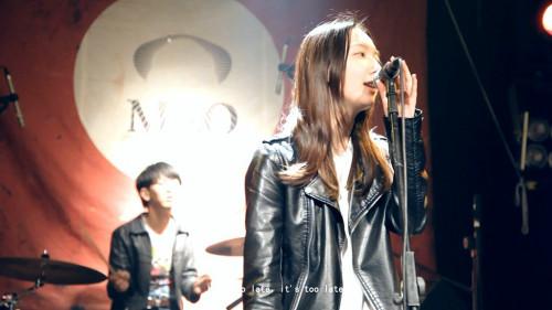 (《 北京晚报 》评) [5] 彭磊的作品《乐队》展现了当今中国图片