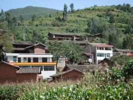 丫利厂村隶属于云南省姚安县前场镇新街村委会行政村,属于图片