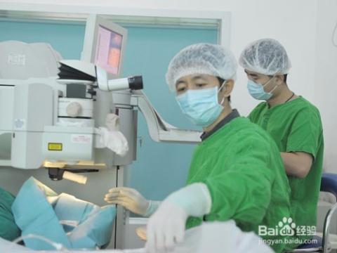 手术后装的假眼球图片_到底要不要做激光眼睛手术?