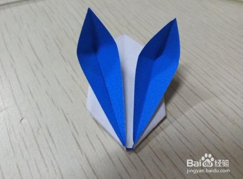 用一本书折灯笼固)�_兔子灯笼折法