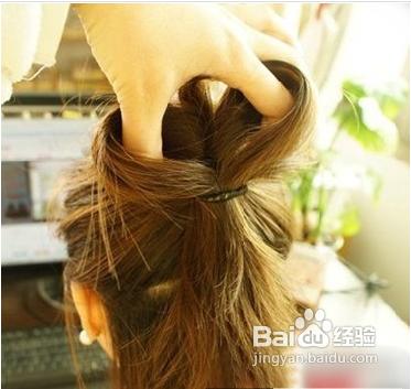 蝴蝶结公主头发型的扎法