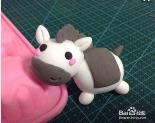 如何用粘土或橡皮泥教会孩子捏小动物
