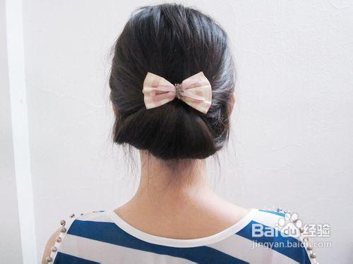 优雅盘发的扎法图片