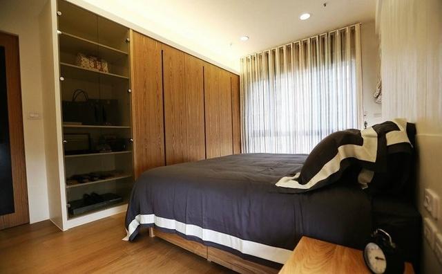 15张超漂亮的二居室装修图,利用实木及黑色喷漆,打造出简朴却时尚的图片