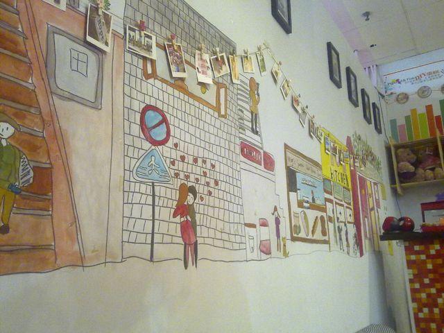 还是最喜欢用裱花袋在布丁上面画图案的部分 朋友和我都喜欢画画图片