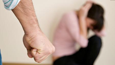 男士也遭家暴:社会需要鼓起男人承认遭受家暴的勇气