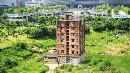 深圳最牛钉子楼获赔1亿?