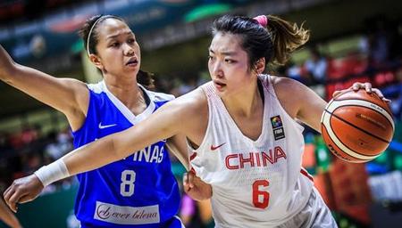 女篮亚洲杯-中国74分狂虐菲律宾 姚明迷之微笑
