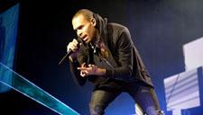 R&B小天王Chris Brown新歌变身侠客诠释中国风