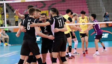 世俱杯上海男排首场0-3落败