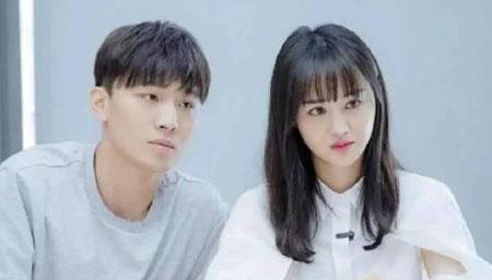 郑爽解散公司疑分手?