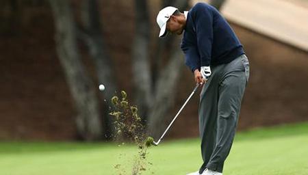 高尔夫挑战赛王者归来 伍兹65杆冲至并列第九