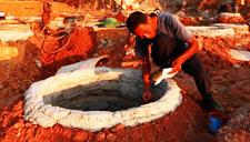 印度男子挖井至地下200米 未见水源绝望自杀