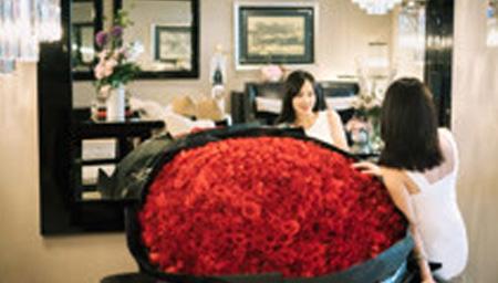 张嘉倪庆生老公送玫瑰