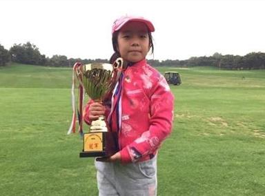 刘国梁8岁女儿成世界冠军,全程英文致谢
