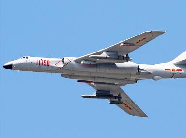 中国海军装备新一代轰炸机