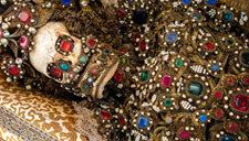 罗马出土土豪墓葬群 浑身披满金银珠宝