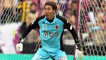 日本联赛门将再现搞笑失误!头球后蹭助攻对手破门