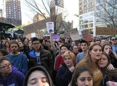 纽约曼哈顿多处涌现示威人群