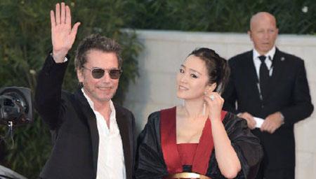 巩俐和丈夫亮相威尼斯电影节