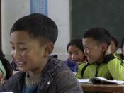 """教室回荡起清澈的歌声,着色孩子们梦想的""""翅膀"""""""