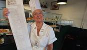 这个餐馆菜单世界第一长,有1000种口味可选!