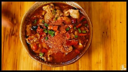 在重庆,有一种夜生活,叫水煮肉片
