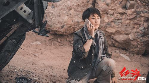 """《红海行动》发布特辑 """"战地玫瑰""""齐登场诠释巾帼不让须眉"""