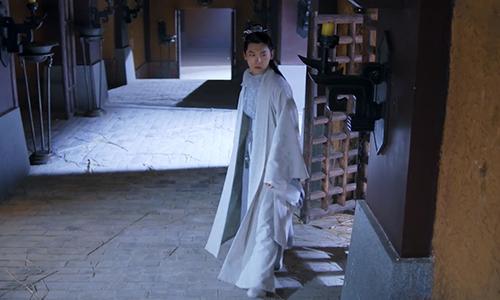 《双世宠妃2》第26集:流觞从天牢逃走皇上大怒