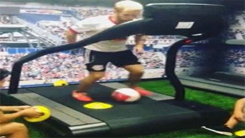 跑步机上带球过障碍物,想进世界杯国足先练练这个