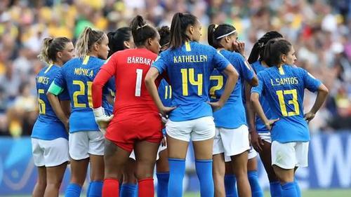 丢人!靠裁判取胜引媒体质疑,这项技术让女足世界杯颜面尽失