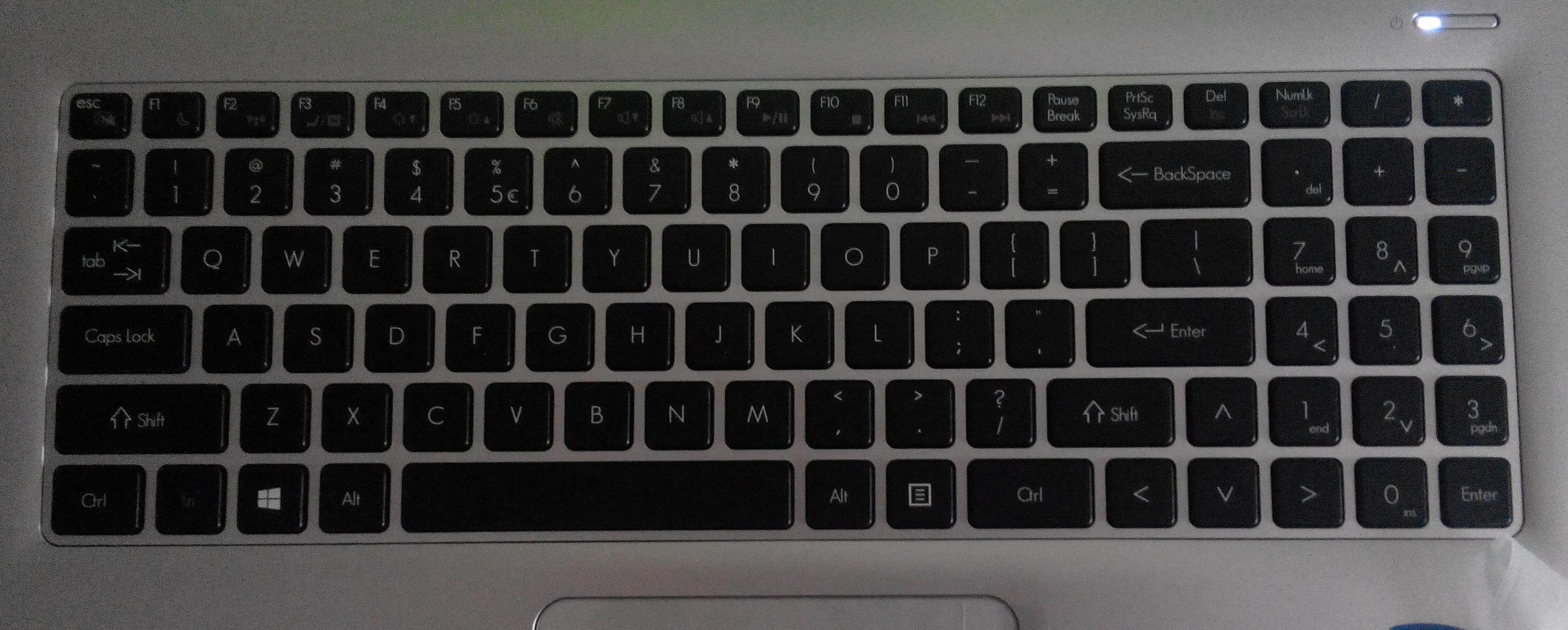 求这款键盘的15.6寸华硕笔记本型号图片