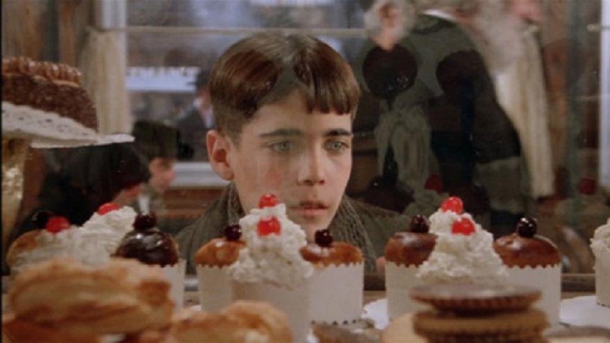 求问美国往事里这个吃蛋糕的小男孩名字