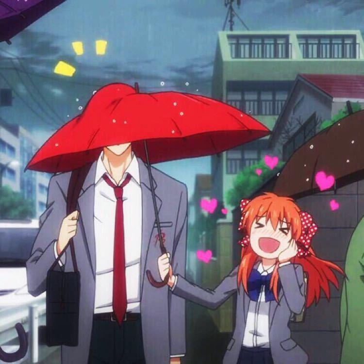 撑伞动漫头像_一个人打伞的图片男生-一个人打伞淋雨猜成语-男生打伞女生淋雨 ...