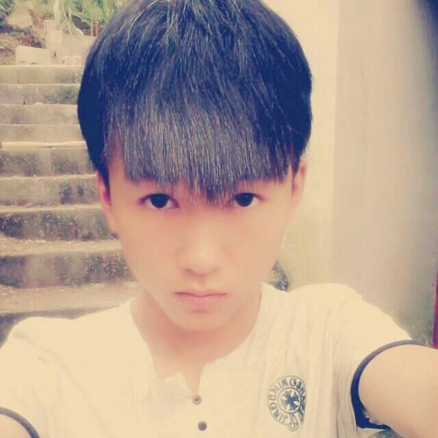 你是打算弄成图片那种发型吧 追问 是啊,就是王俊凯那种 回答 看着你图片