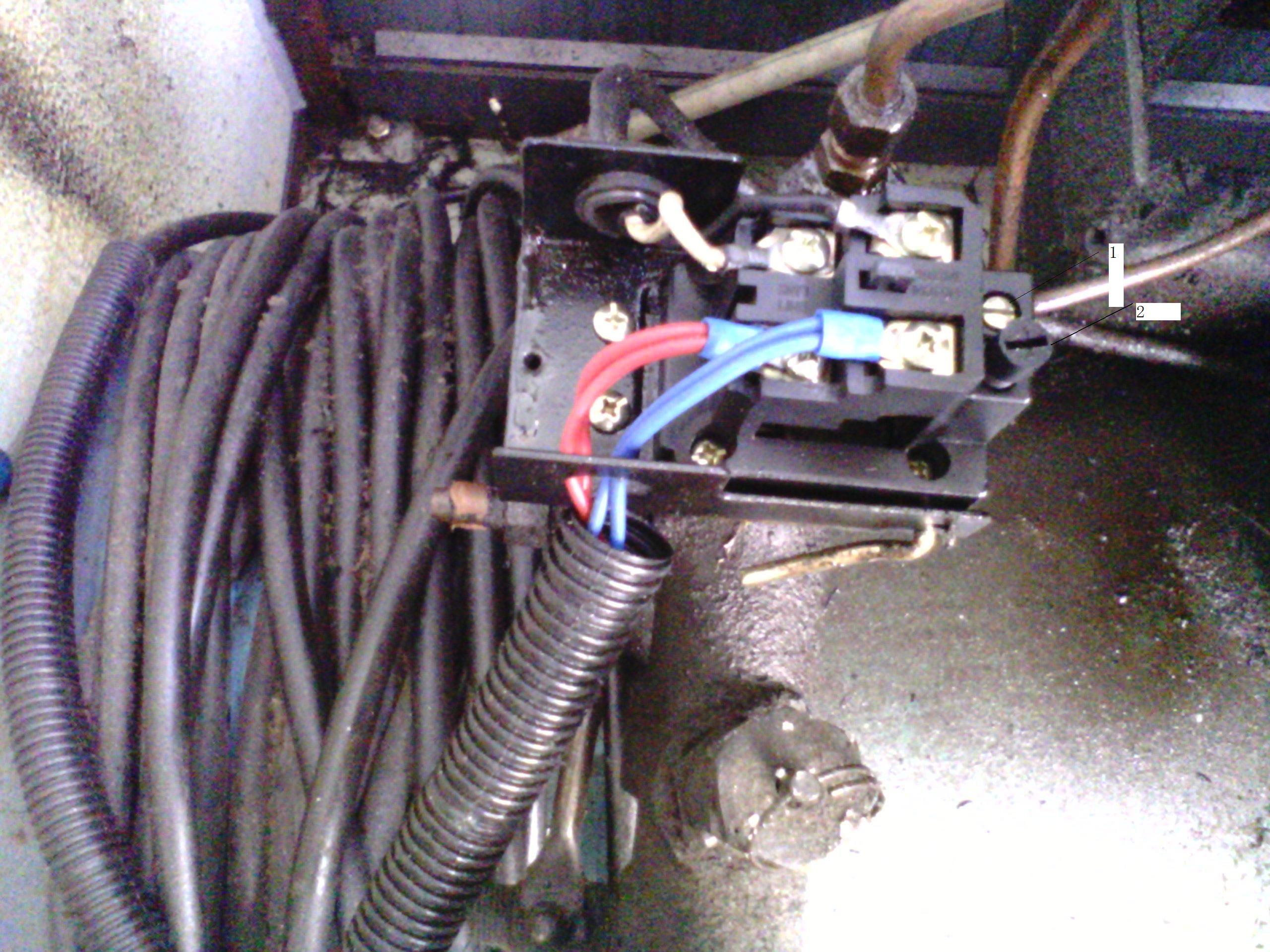 怎样调活塞式空压机的压力上限值和下限值?图片