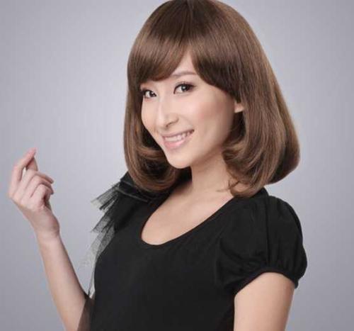 嘉艺发型设计软件支持摄像头拍照的浏览外部照片,内置庞大的发型数据