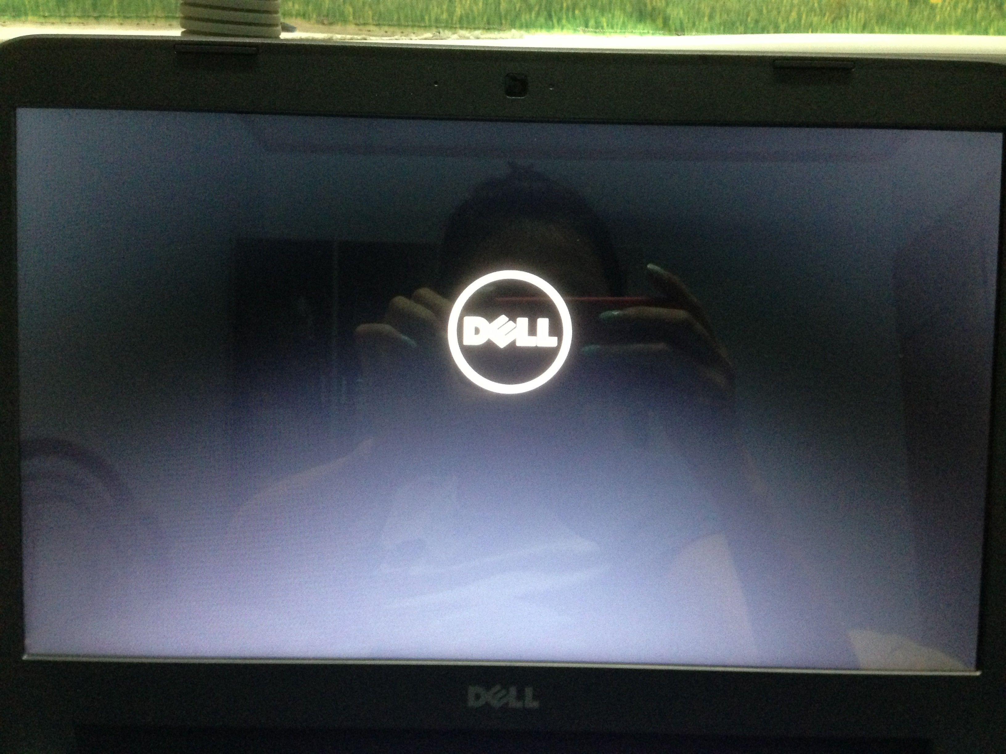 戴尔笔记本电脑屏幕很暗亮度调到最高了也没反应,该怎么办?