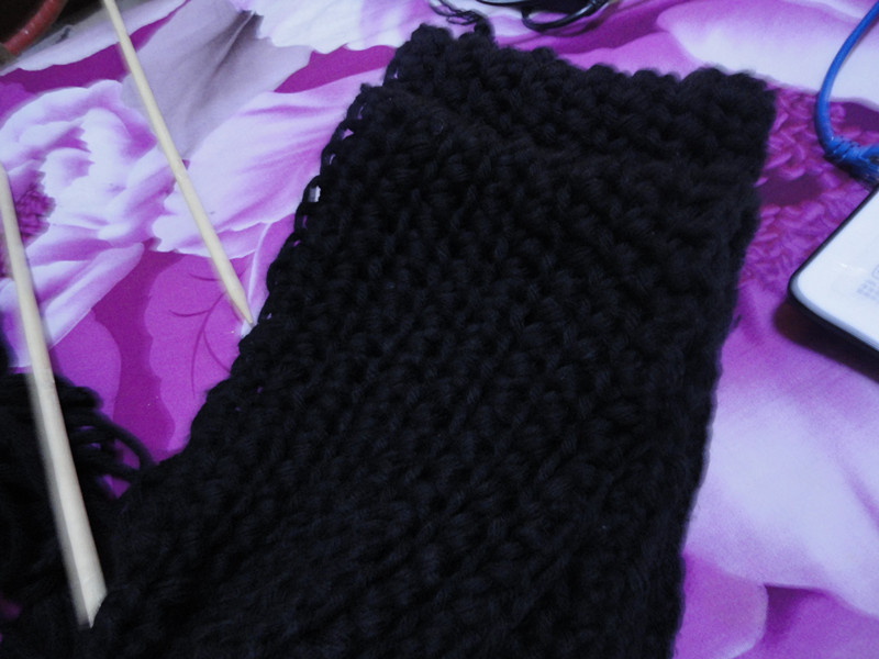 谁能告诉我织围巾情侣扣打底需要几针啊 给男