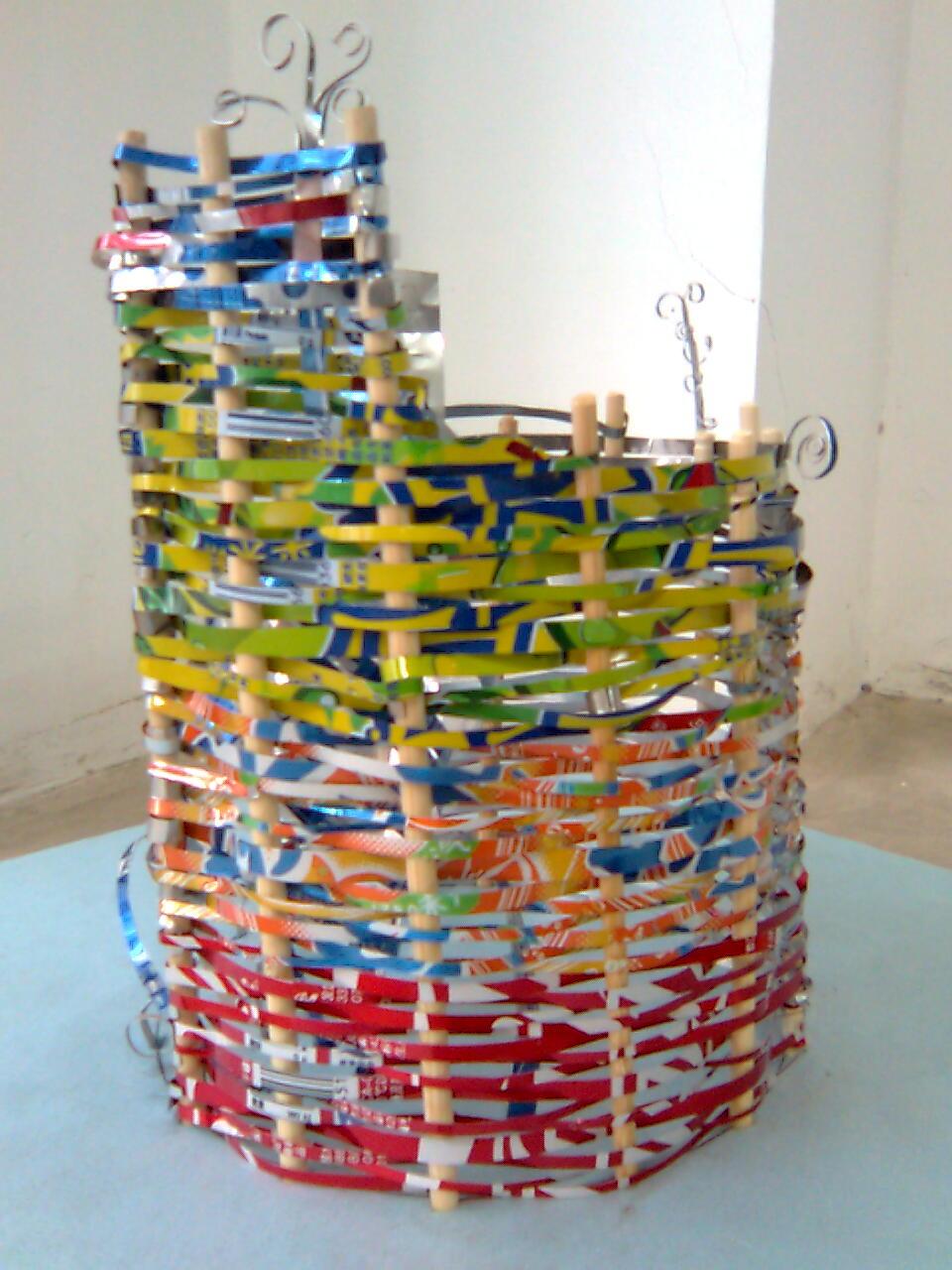 如何用生活中的废气物做手工艺品图片