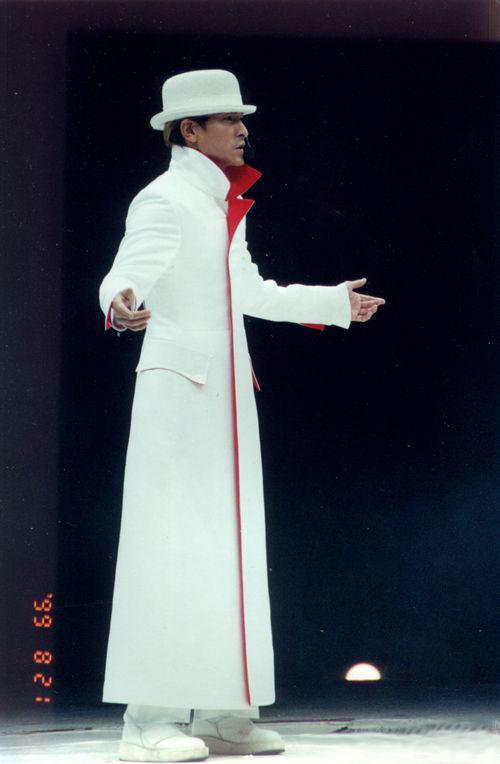你说的应该是刘德华99演唱会!图片