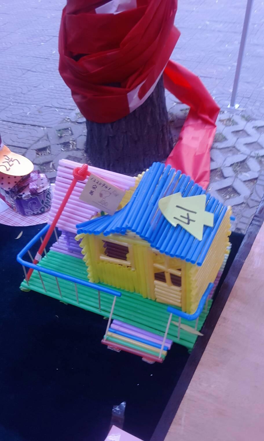 邻家小孩小学二年,学校要求做发明创造制作小手工,油好的创意酬谢100图片