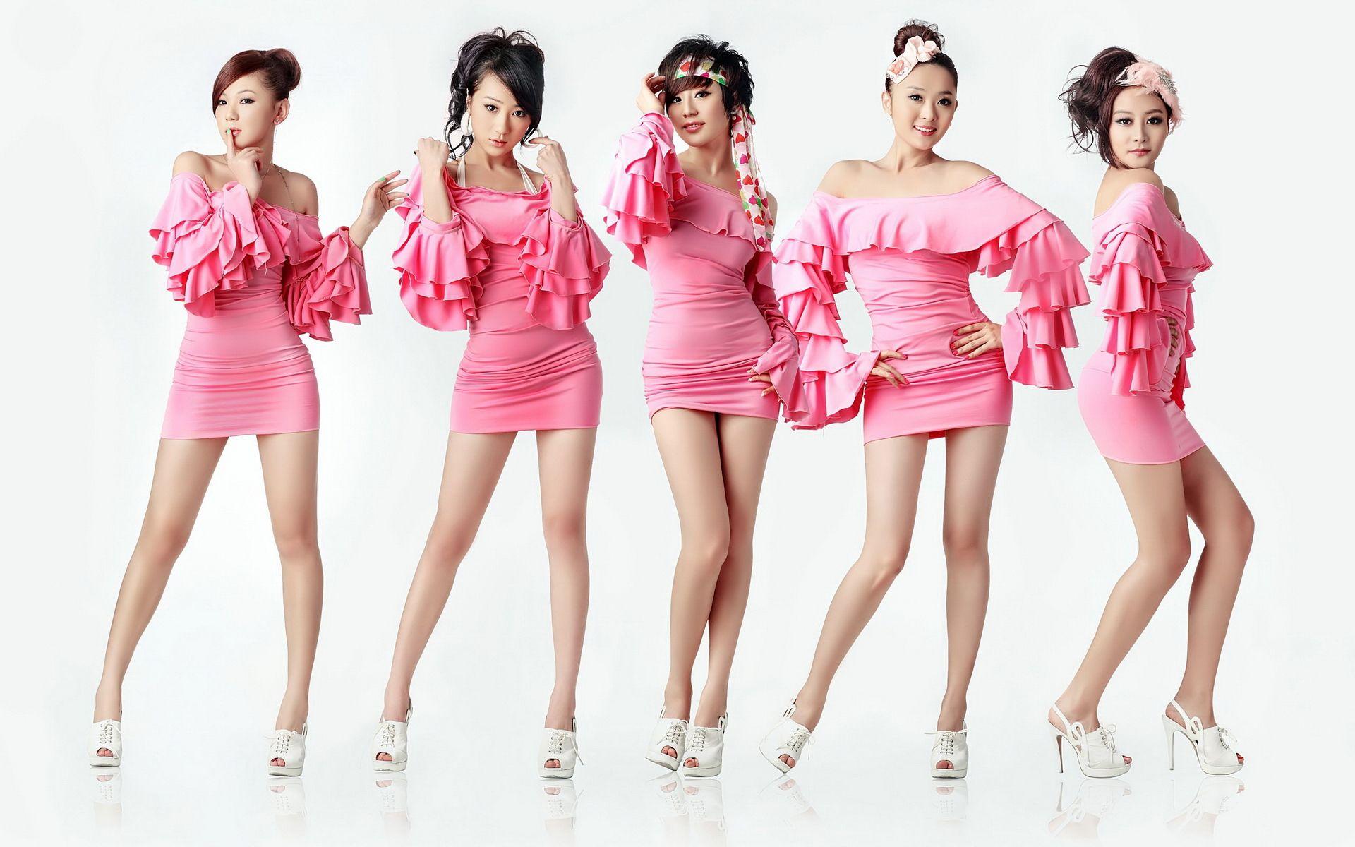 五个女子的组合叫什么名字