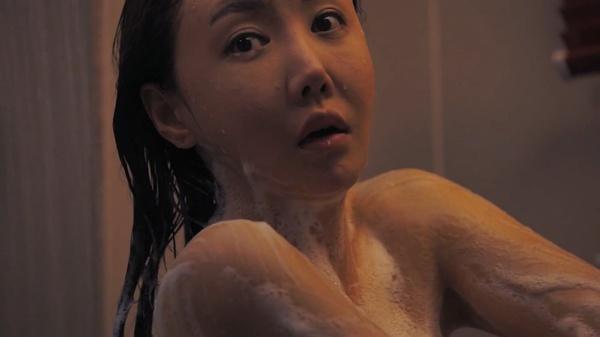 hd亚州色情电影_你觉得《妈妈的朋友》这部电影除了传达色情以外还有什么内涵吗?